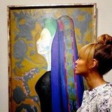 Beyoncé spent some time looking at art. Source: Instagram user baddiebey