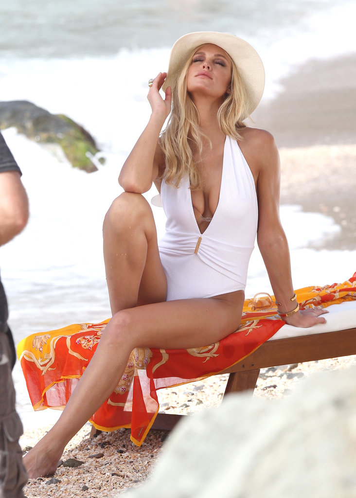Erin Heatherton wore a low-cut suit.