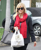 Reese Witherspoon picked up lunch to go.