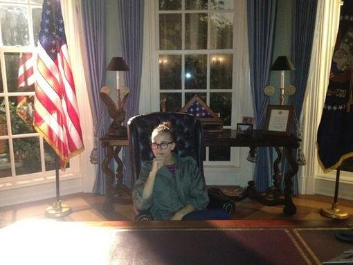 "Rashida Jones sat in the ""Oval Office"" on the set of 1600 Penn. Source: Twitter user iamrashidajones"