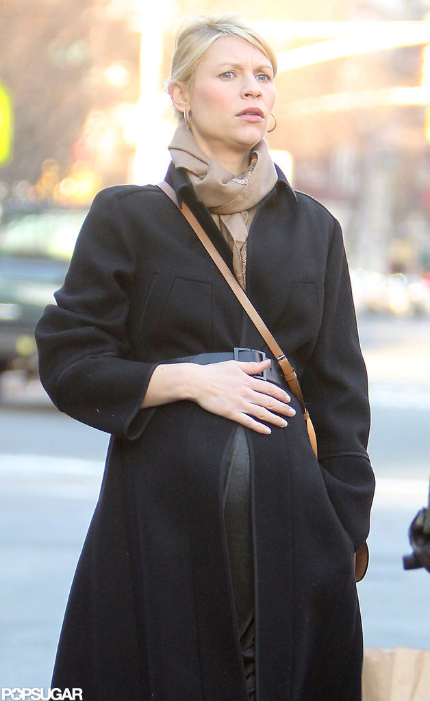 Claire Danes carried a purse across her shoulder.