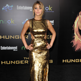 Best Red Carpet Dresses 2012 (Video)