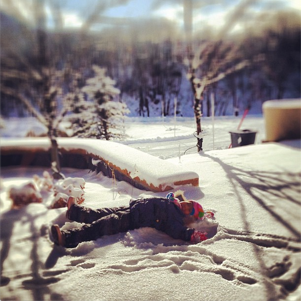 Naleigh Kelley perfected the art of making a snow angel this week. Source: Instagram uswer katiemheigl