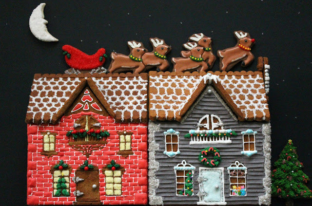 Brick- and Wood-Patterned Gingerbread Houses