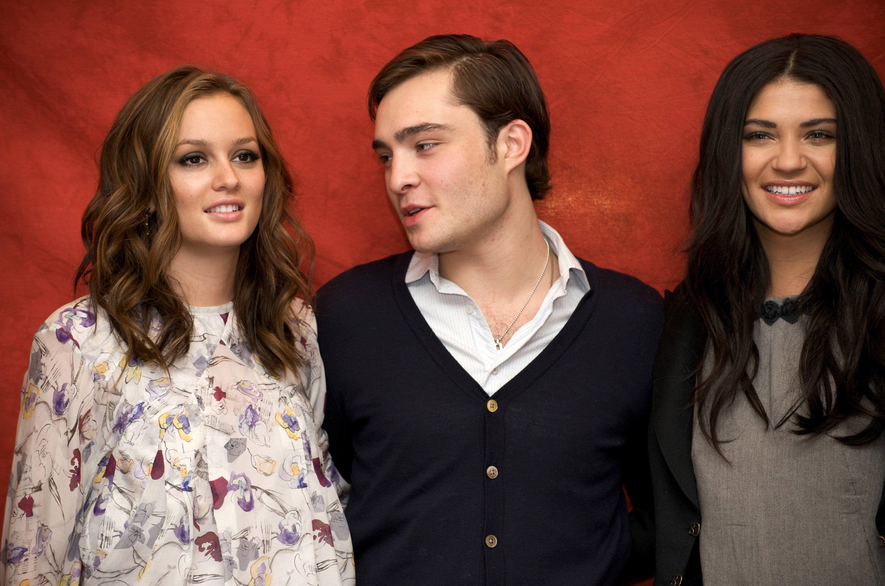 Leighton Meester, Ed Westwick, and Jessica Szohr posed for photos at a Gossip Girl press conference held in NYC in October 2008.