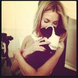 Jennifer Hawkins made a new furry friend on a photo shoot. Source: Instagram user jenhawkins_