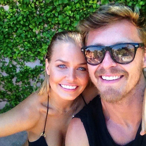 Lara Bingle and her BFF, makeup artist Max May, snuggled up for a cute pic. Source: Instagram user mslbingle