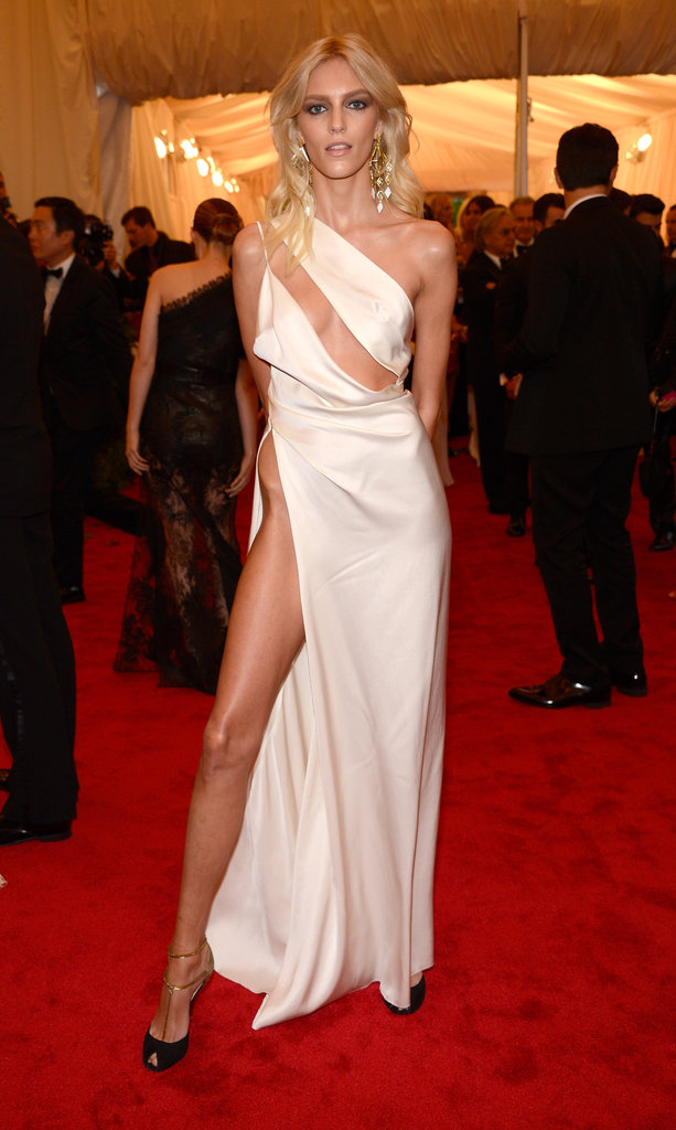 Anja Rubik dared to bare leg, hip, and a lot more in this white Anthony Vaccarello number at the Met Gala.