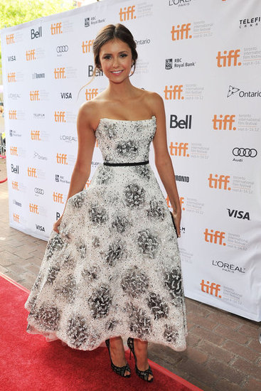 The style star showed off her ultrafeminine side in this strapless Monique Lhuillier dress at the Toronto Film Festival.