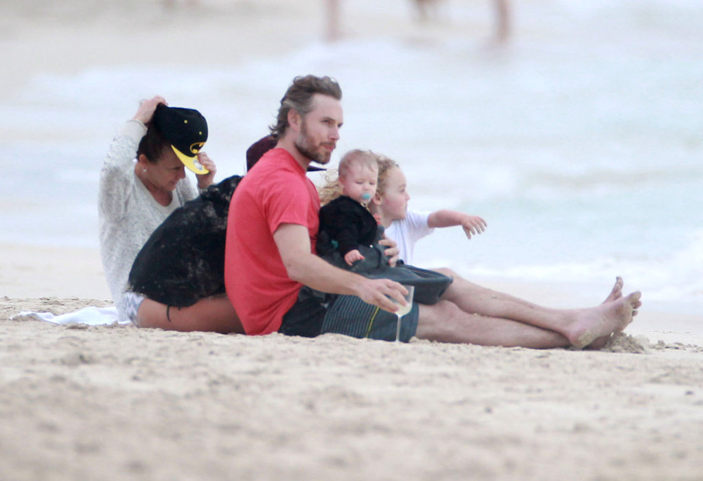 Ashlee Simpson, Bronx Wentz, and Tina Simpson watched the sun set with Eric and Maxwell Johnson.