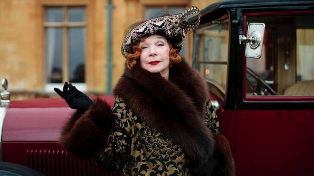Shirley MacLaine comes to Downton Abbey full of American moxie and opinions — and with a wardrobe to match.