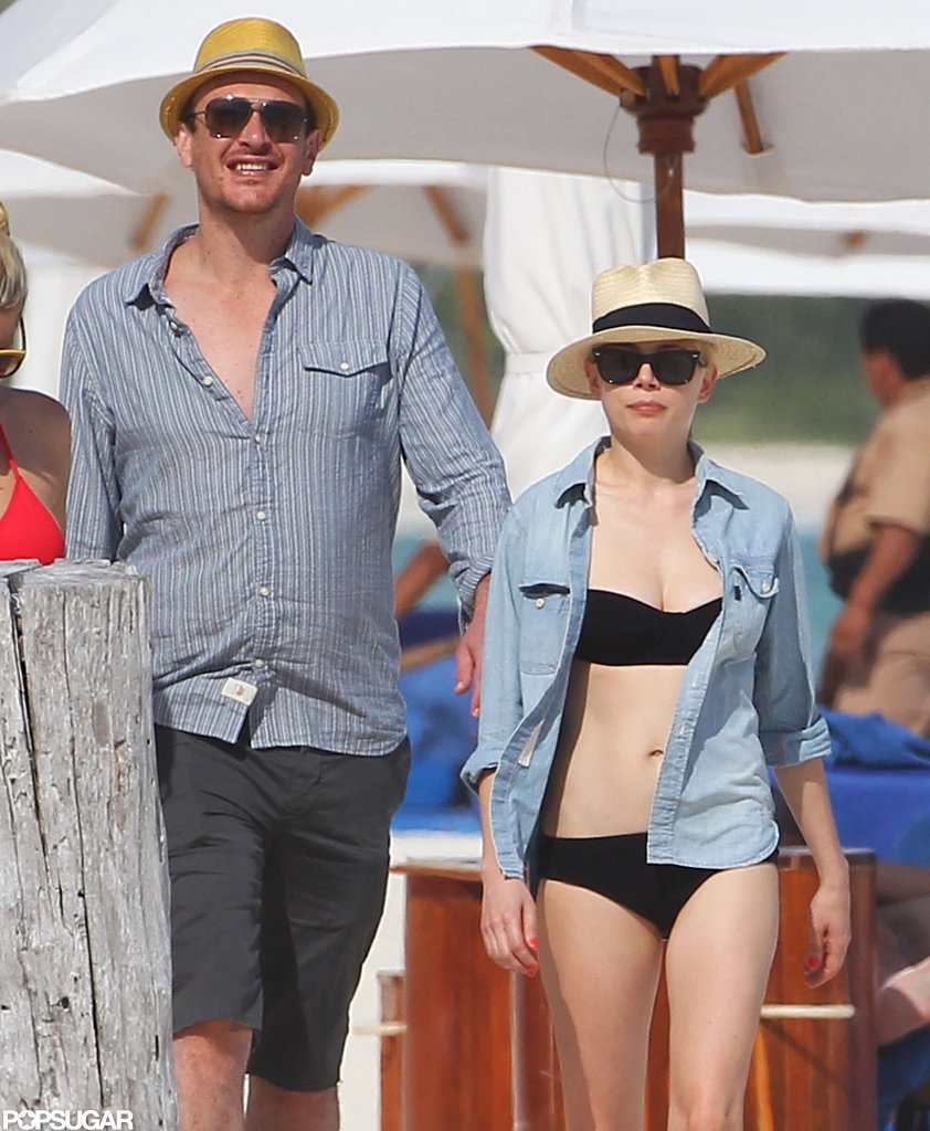 Michelle Williams and Jason Segel visited a beach in Cancun.