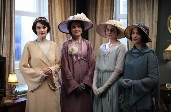Mary poses with her mother and sisters Edith and Sybil before the big moment. Source: PBS