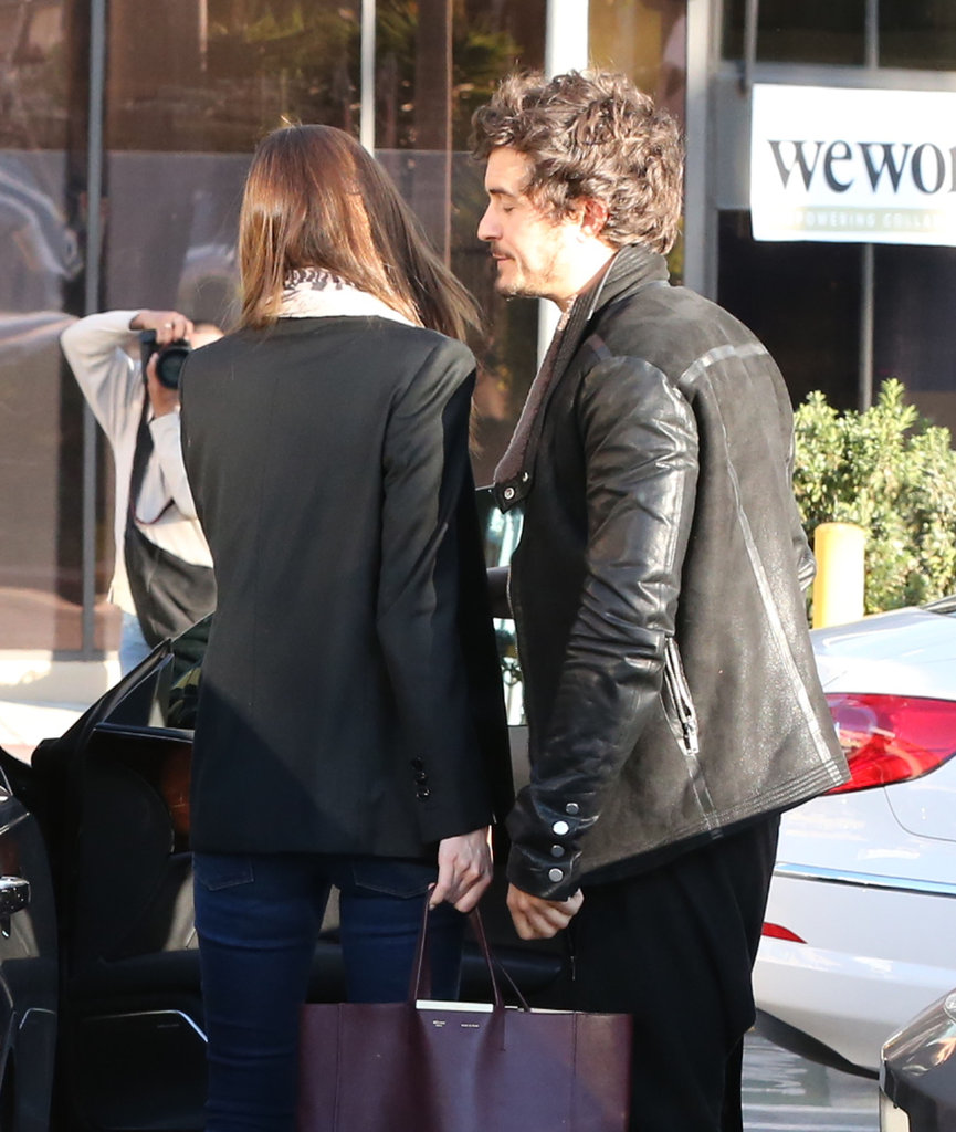 Orlando Bloom picked up Miranda Kerr.