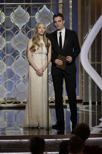Amanda Seyfried and Robert Pattinson