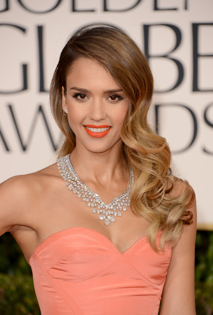 Jessica Alba's peach gown complemented her perfect complexion.