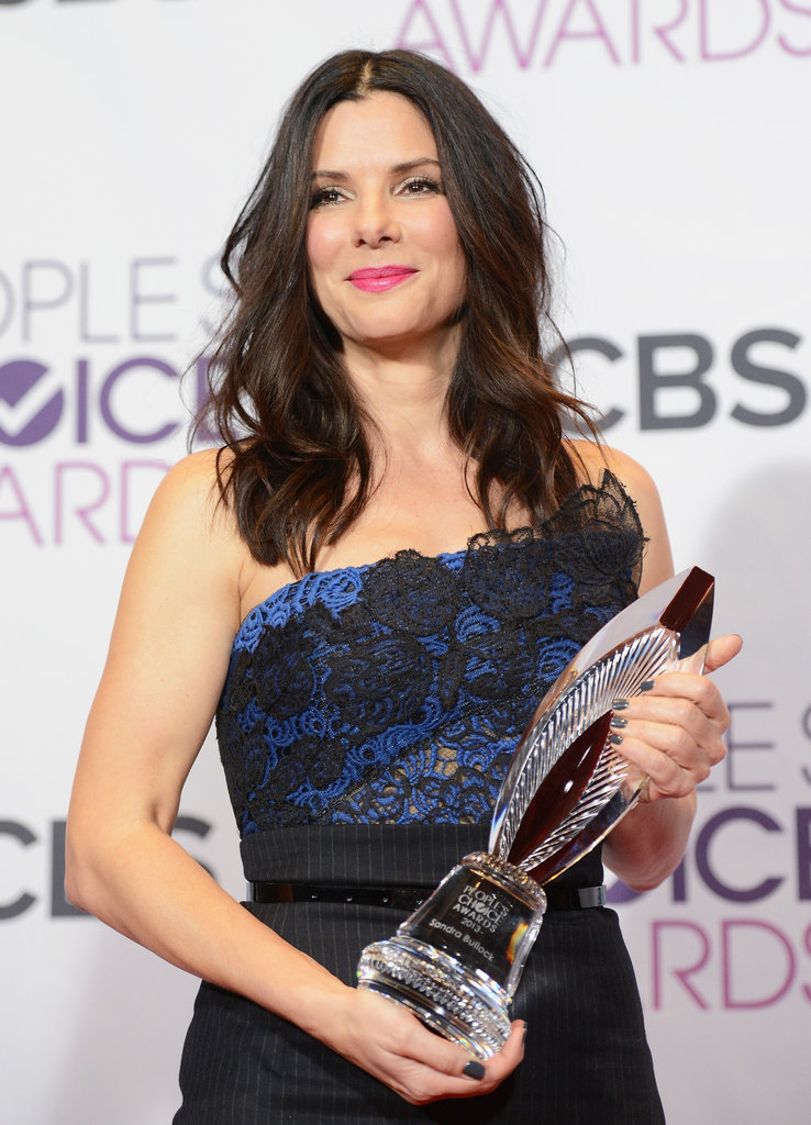 Sandra Bullock Hits PCAs to Accept Favorite Humanitarian Honors