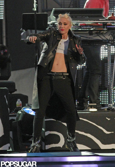 Gwen Stefani showed off her abs on stage.
