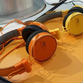 iLuv Ref Headphones