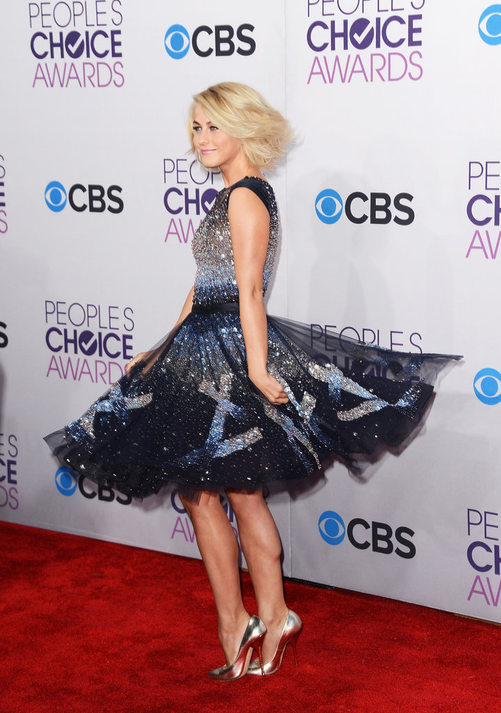 Julianne Hough did a twirl.