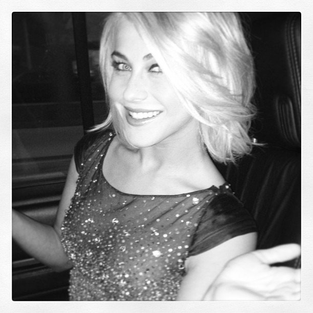 Julianne Hough gave us a glimpse while on her way to the People's Choice Awards.  Source: Instagram user juleshough