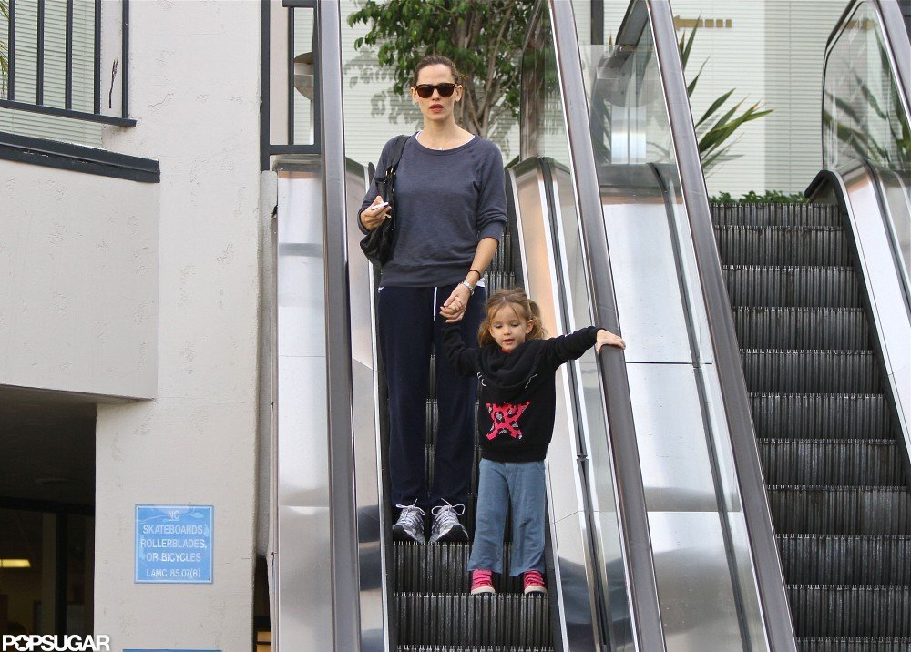 Jennifer Garner Goes on Mom Duty Ahead of Ben's Oscar Snub