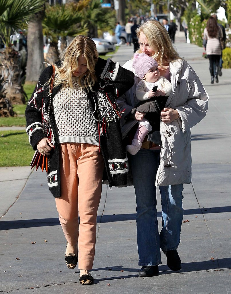 Sienna Miller and Marlowe walked around.