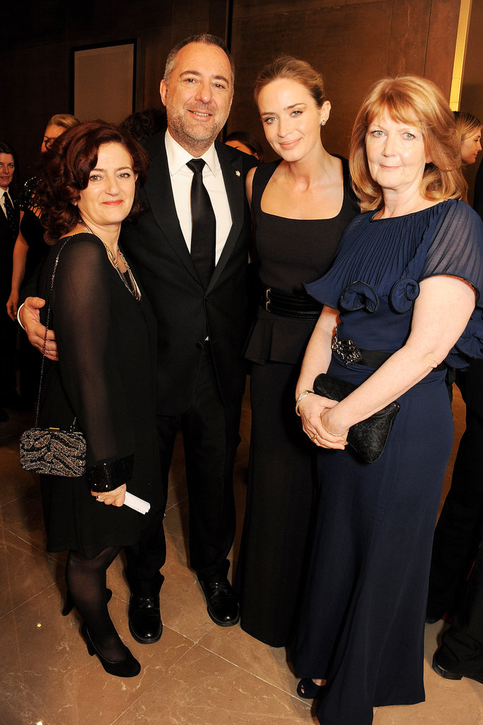 Emily Blunt posed with Hilary Oliver, Rich Cline, and Janice Dixon.
