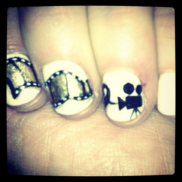 Zooey Deschanel always has the best dressed nails of the night. Source: Instagram user zooeydeschanel
