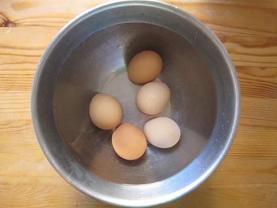 Bring Eggs to Room Temperature Lightning-Fast