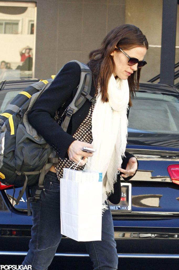 Jennifer Garner wore her backpack for a day of errands in LA.