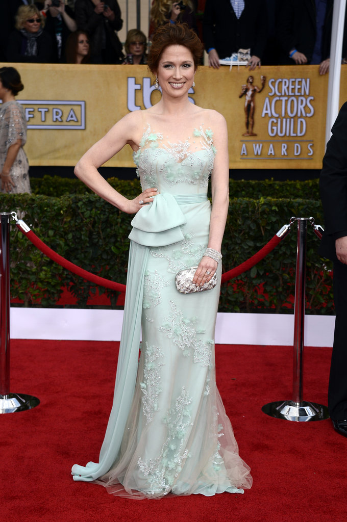 Ellie Kemper worked an embroidered sea foam Reem Acra number with Charlotte Olympia shoes and a crystal clutch.