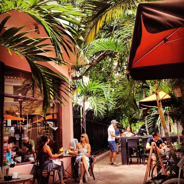 Enjoy Lunch at an Outdoor Cafe in Lincoln Road Mall, Miami
