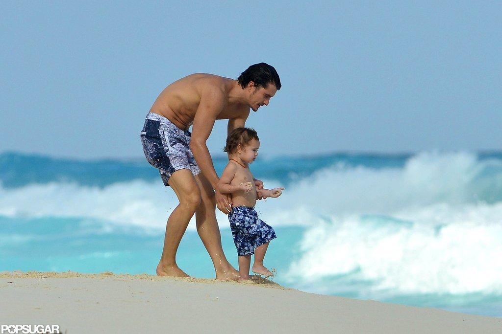 Orlando Bloom showed Flynn the waves.
