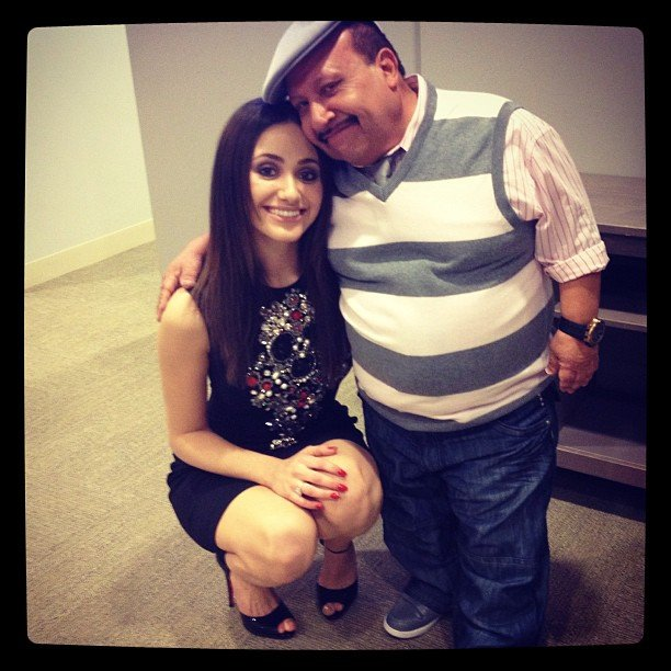Emmy Rossum stopped by Chelsea Lately and got a Chuy-sized hug. Source: Instagram user emmyrossum