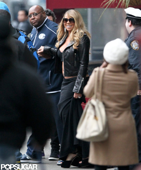 Mariah Carey flashed her stomach while walking around NYC.