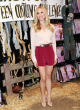 Kristin Cavallari may have been at a Halloween event in LA, but her dusty pink blouse and silky red shorts were anything but spooky. We adore the mix of light pink and dark red.