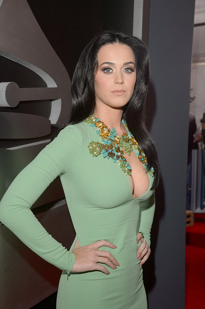 Katy Perry Goes Green For the Grammys Red Carpet