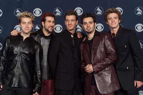 Justin posed with N*SYNC at the 2000 Grammys.
