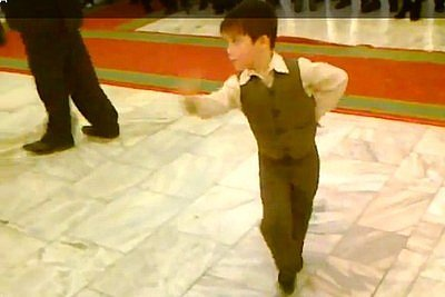 Dancing Kid Wows the Crowd (VIDEO)