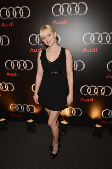 Anna Faris kept it cocktail-party chic at Audi's Super Bowl party in a slightly edgier (read: studded) little black dress, only adding black round-toe heels and silver earrings into the mix.