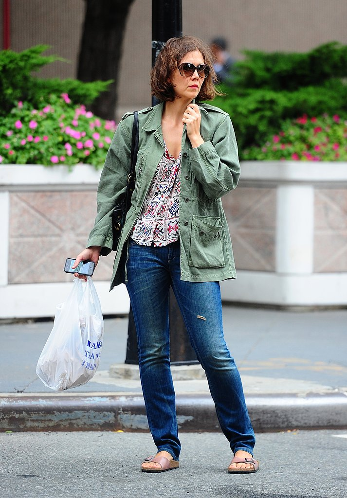 Maggie Gyllenhaal's army jacket lent utilitarian flair to her printed tank and skinny jeans.
