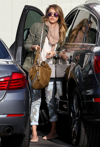 Jessica Alba showed off a pair of new Citizens of Humanity printed jeans ($248) while heading to her office in Santa Monica.