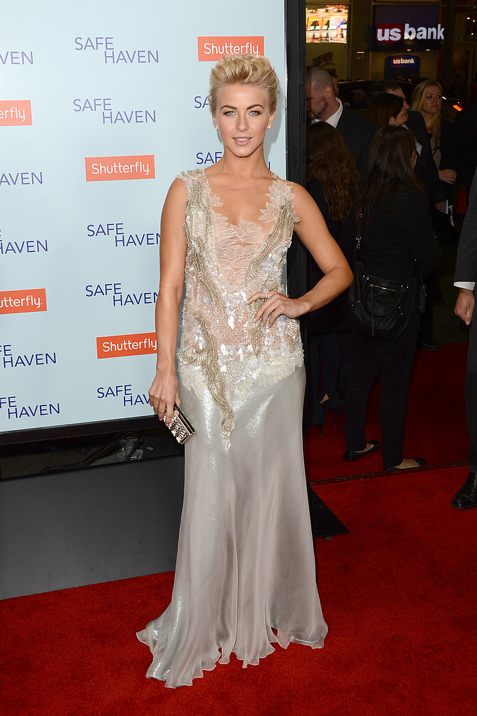 Julianne went mermaid-chic in a sleeveless gray Alberta Ferretti gown at the Safe Haven premiere in Hollywood. The intricate lace-and-beaded bodice, mixed with her sparkling jewels and Judith Leiber clutch, created a glamorous high-shine evening ensemble.