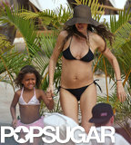 Gisele Bündchen wore a bikini in Hawaii with friends.