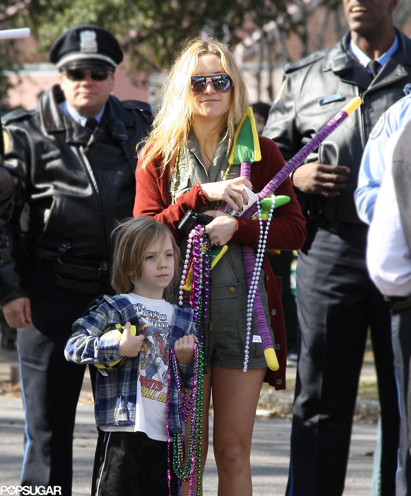Kate Hudson and Ryder Robinson got ready for 2010's Mardi Gras festivities in New Orleans.