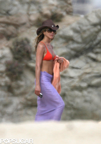 Jennifer Aniston strolled on the sand in January of 2009 when she took a vacation in Mexico.