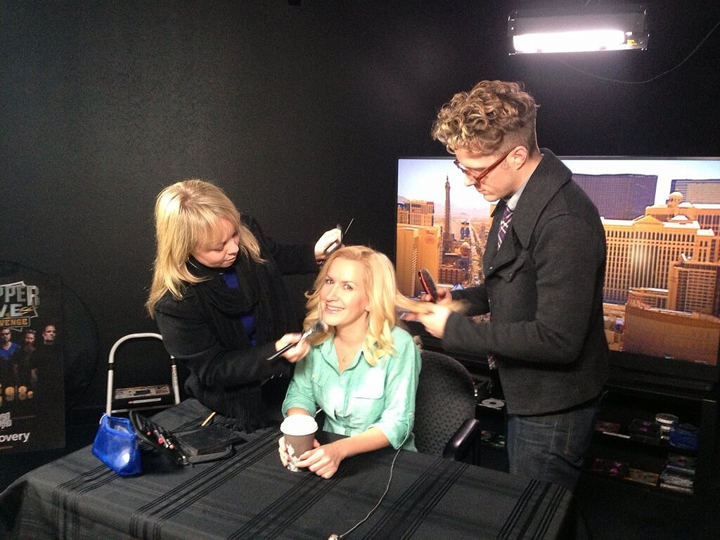 The Office's Angela Kinsey prepped for an early morning event in Las Vegas. Source: Twitter user AngelaKinsey