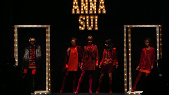 Karlie Kloss and Hilary Rhoda Open Anna Sui Fall '13 With a Dance
