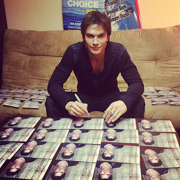 Ian Somerhalder spent some time signing valentines for fans. Source: Instagram user iansomerhalder